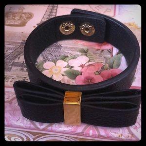 Black bcbg bow bracelet